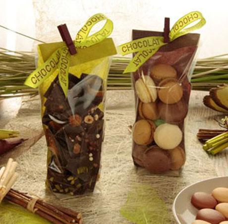 Hesssian Green & Chocolate